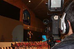 صحنه هایی از اجرای حسن ریوندی